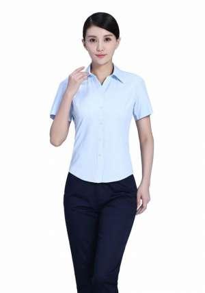 浅蓝商务短袖衬衫